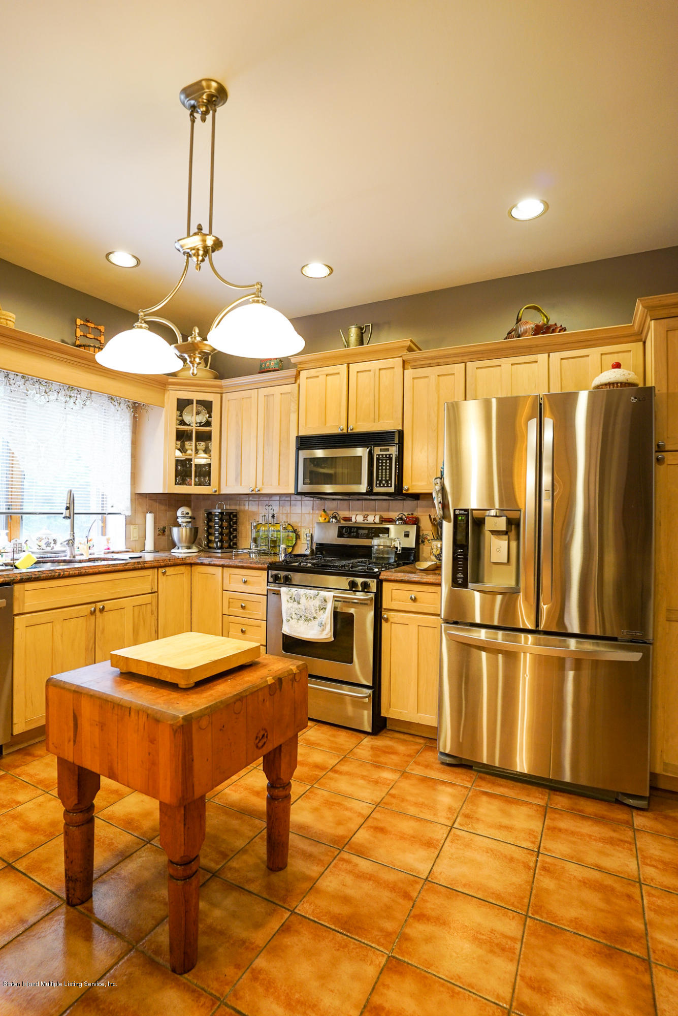 Single Family - Detached 81 Sharrotts Road  Staten Island, NY 10309, MLS-1140126-25