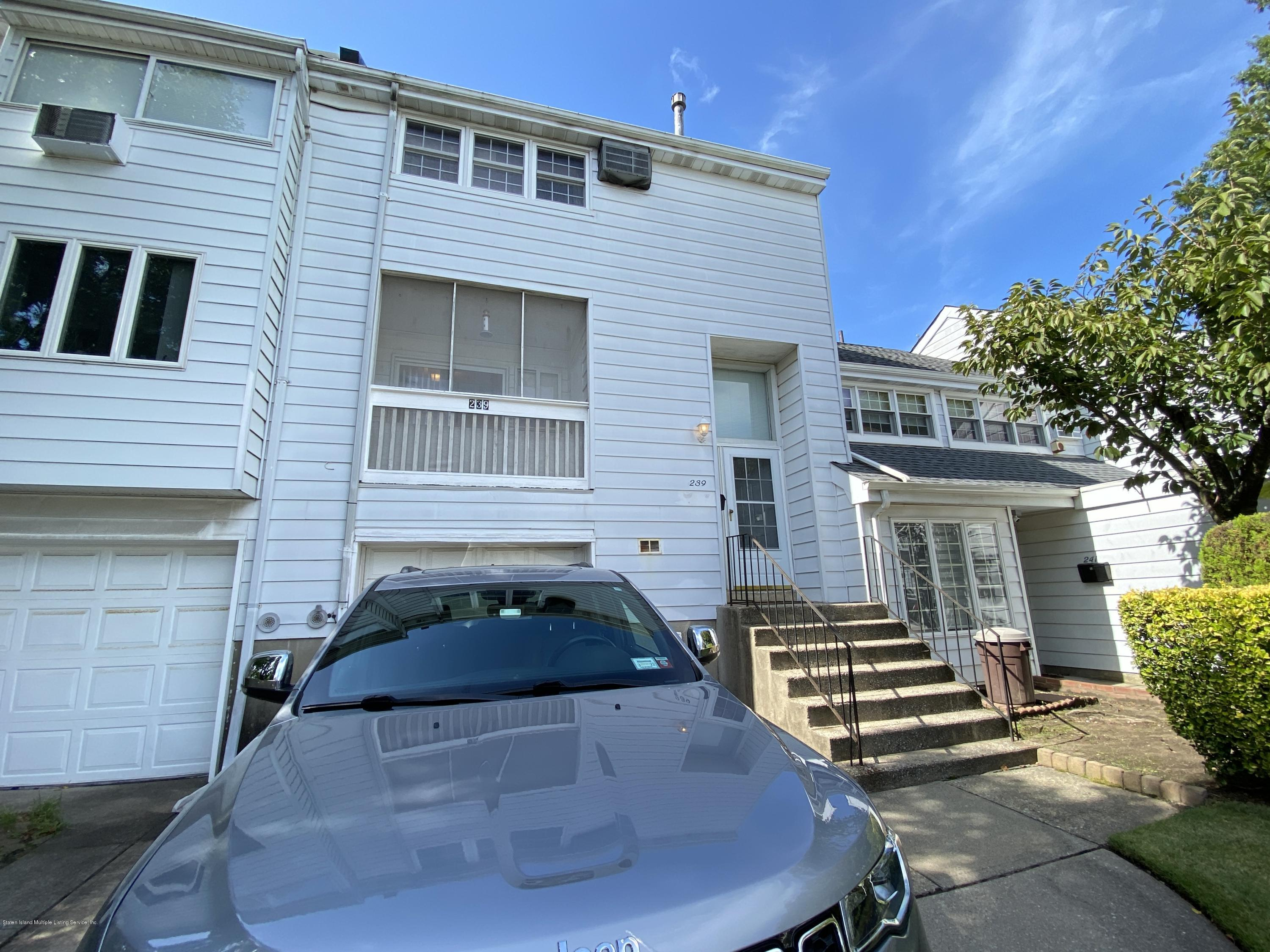 Single Family - Attached 239 Dover Green  Staten Island, NY 10312, MLS-1140452-23