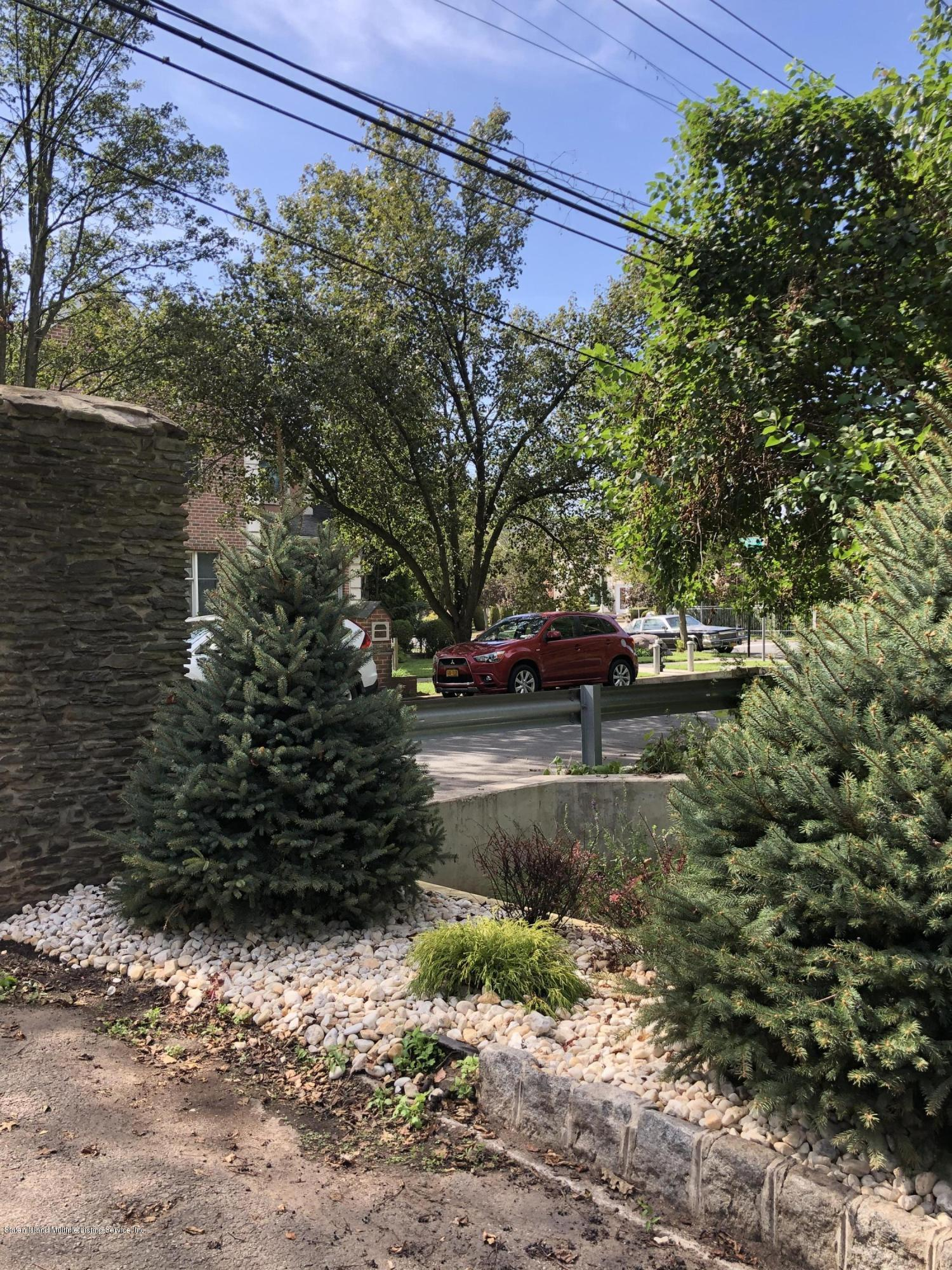 Two Family - Detached 34 Dominick Lane  Staten Island, NY 10312, MLS-1135733-5