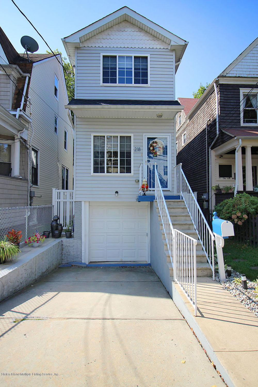 Single Family - Detached 218 Hamilton Avenue  Staten Island, NY 10301, MLS-1139850-2