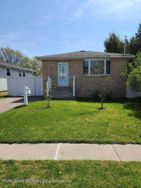 Single Family - Detached 189 Muller Avenue  Staten Island, NY 10314, MLS-1141004-3