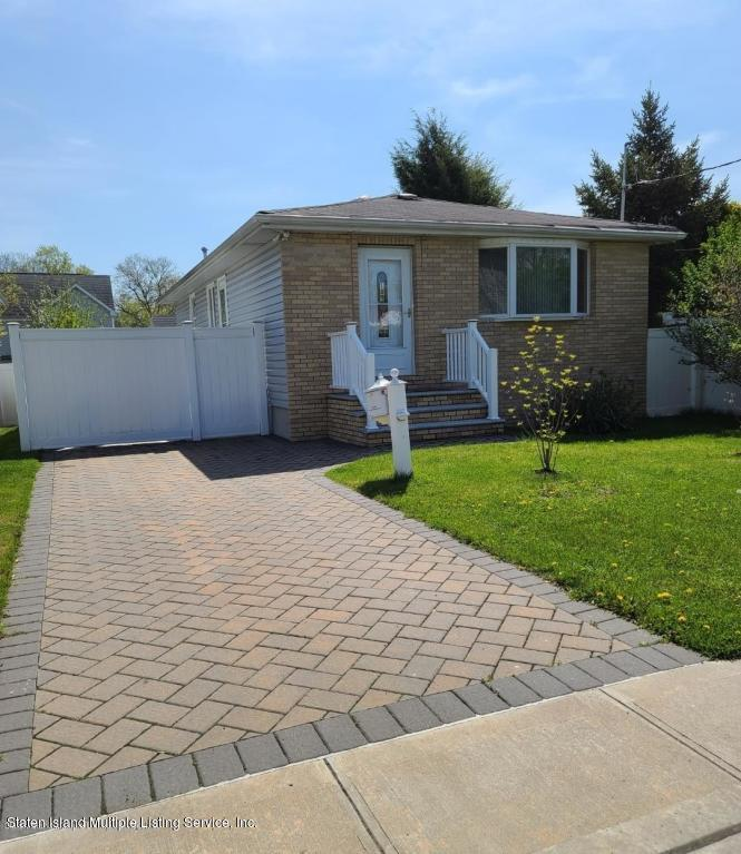 Single Family - Detached 189 Muller Avenue  Staten Island, NY 10314, MLS-1141004-2