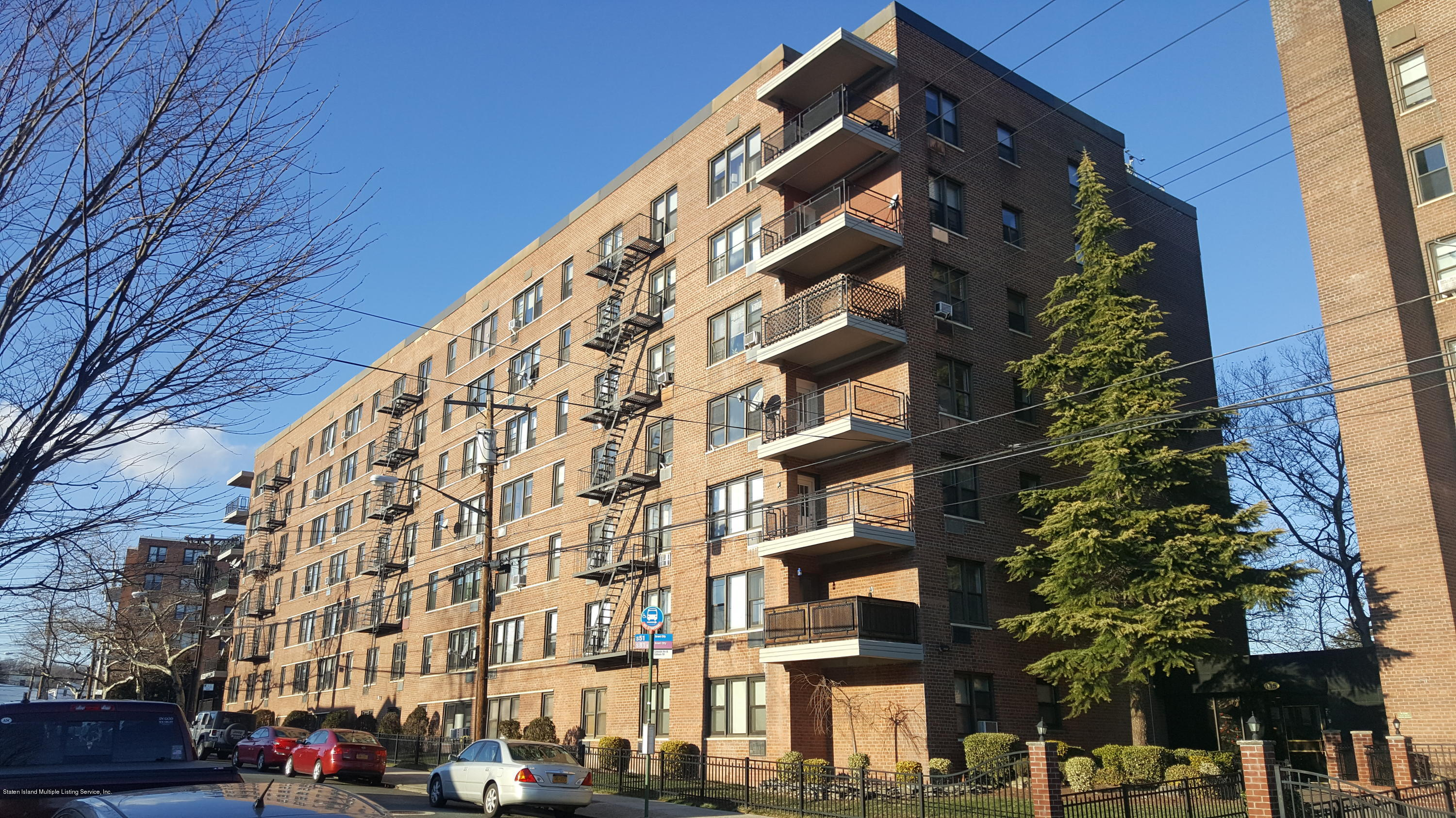 Condo in Grant City - 145 Lincoln Avenue 2a  Staten Island, NY 10306
