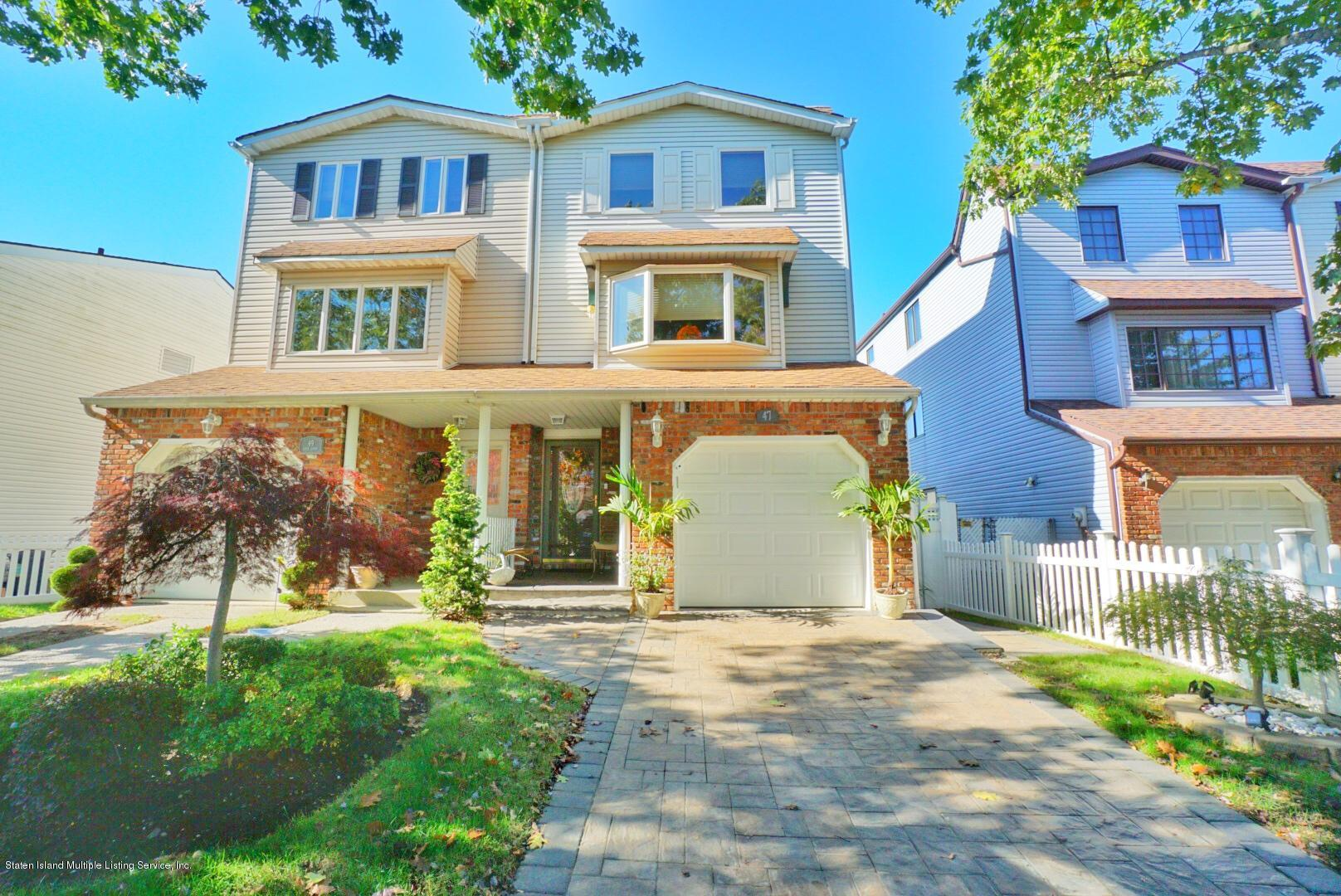 Single Family - Semi-Attached in Richmond Town - 47 Ilyse Court   Staten Island, NY 10306