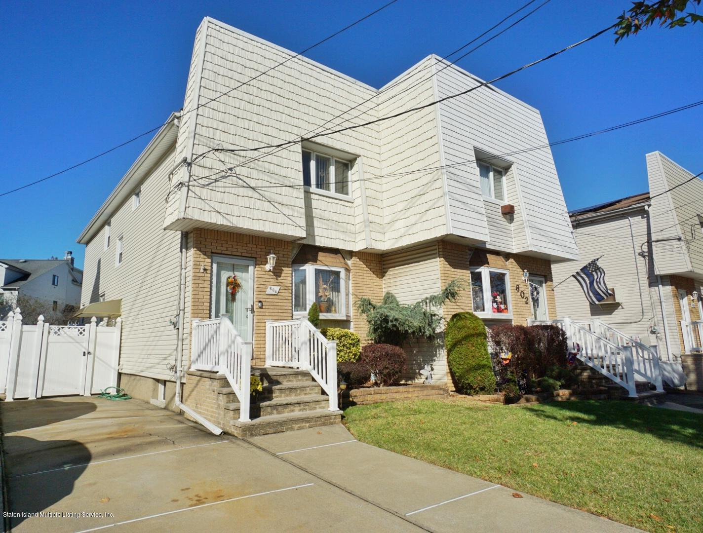 Single Family - Semi-Attached in Annadale - 604 Drumgoole Road  Staten Island, NY 10312
