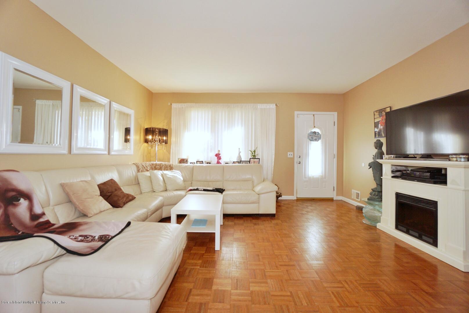 Single Family - Semi-Attached 604 Drumgoole Road  Staten Island, NY 10312, MLS-1141487-8