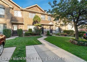 29 Hillwood Court, Staten Island, NY 10305