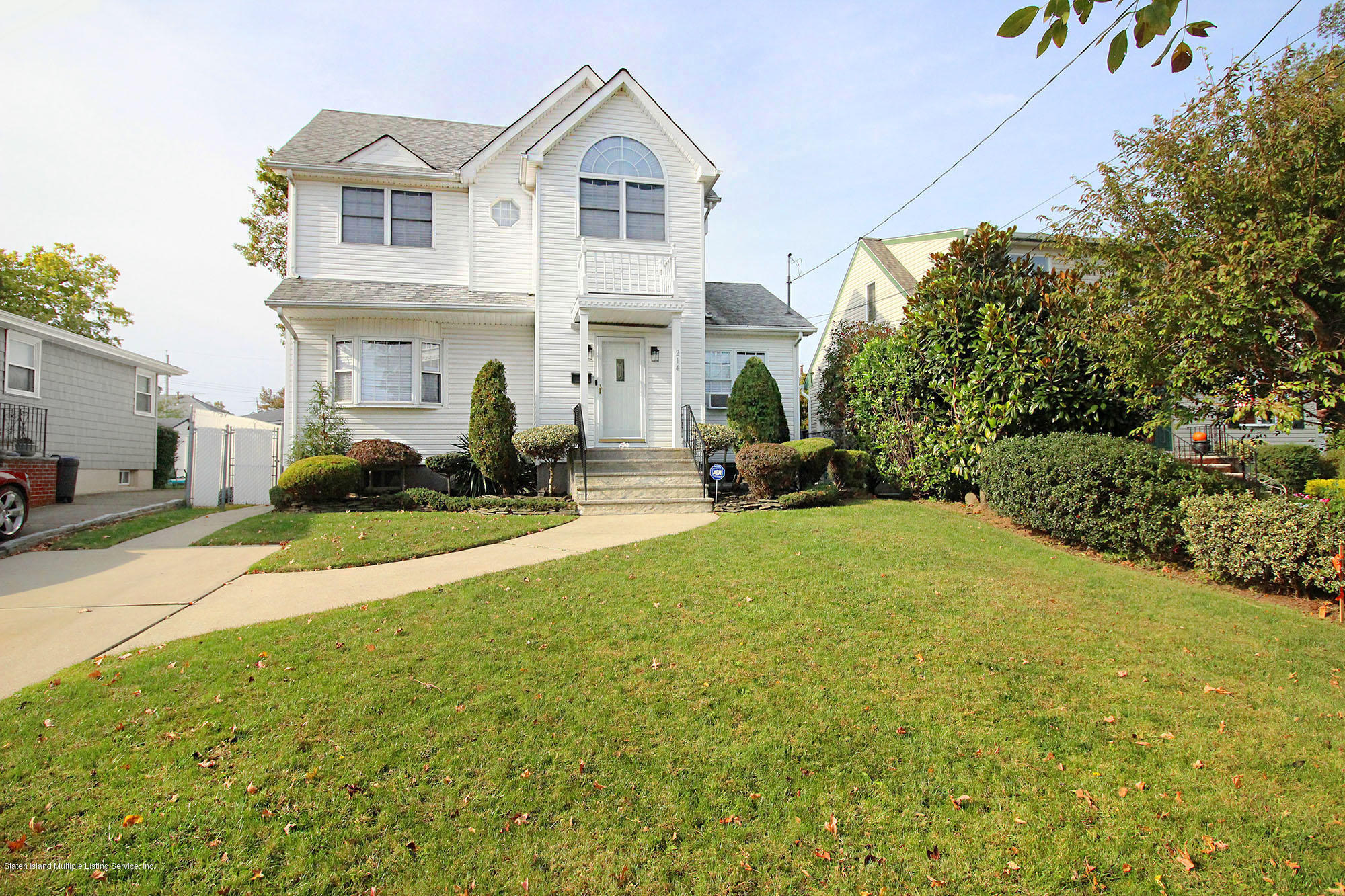 Single Family - Detached in Great Kills - 214 Armstrong Avenue  Staten Island, NY 10308