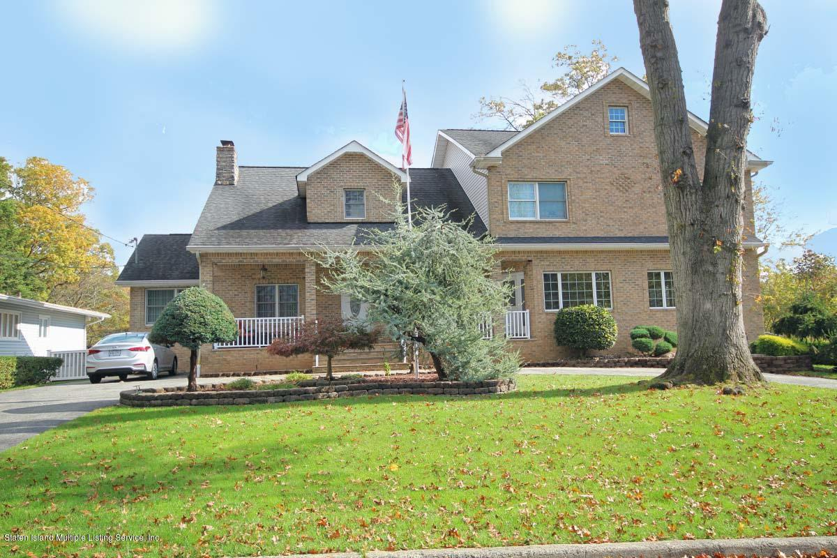 Two Family - Detached in Princes Bay - 213 Bayview Avenue  Staten Island, NY 10309