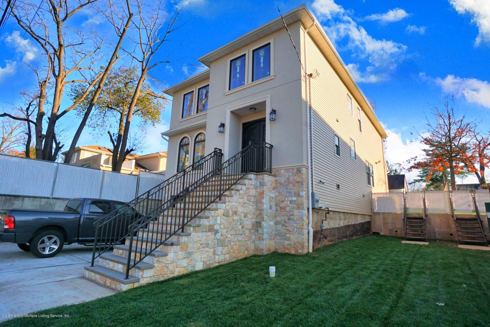 Single Family - Detached in Richmond Town - 3630 Richmond Road  Staten Island, NY 10306