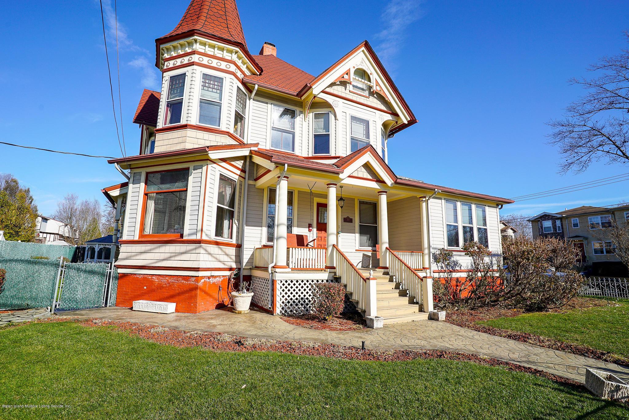 Single Family - Detached in Oakwood - 309 Guyon Avenue  Staten Island, NY 10306