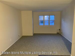 27 Woodrose Lane, Staten Island, NY 10304
