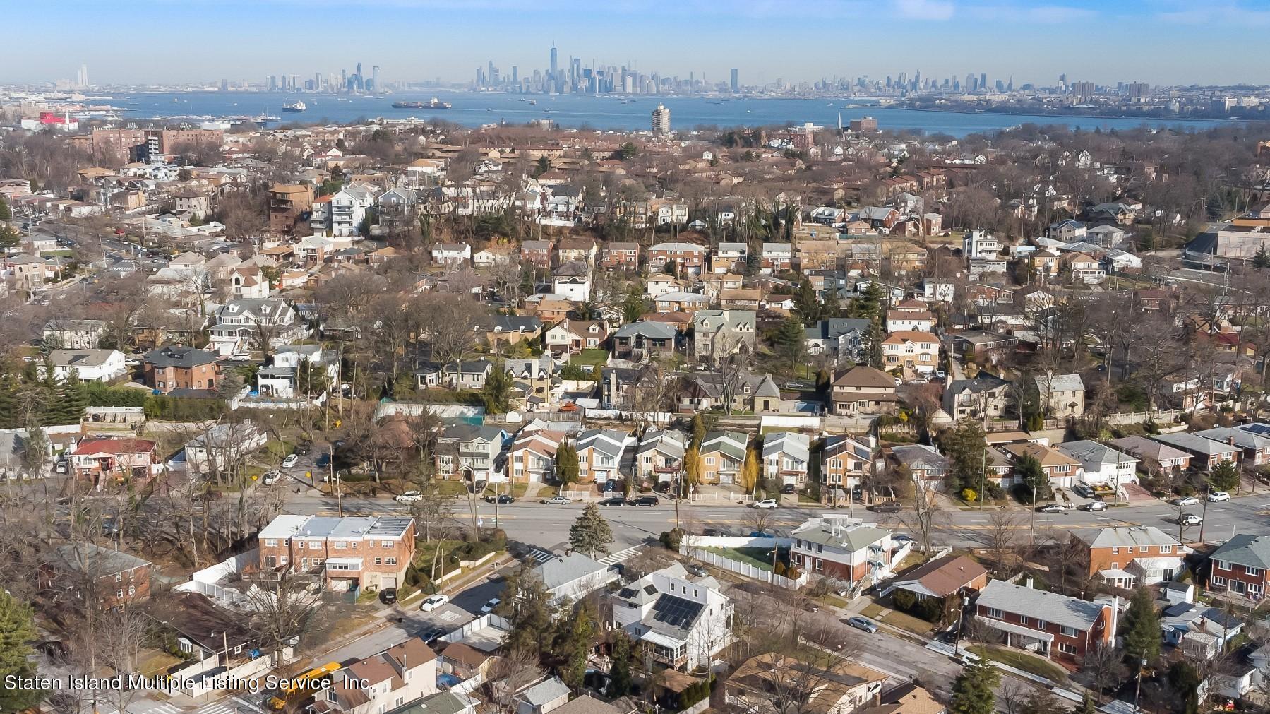 Single Family - Detached 8 Bionia Avenue  Staten Island, NY 10305, MLS-1142818-31
