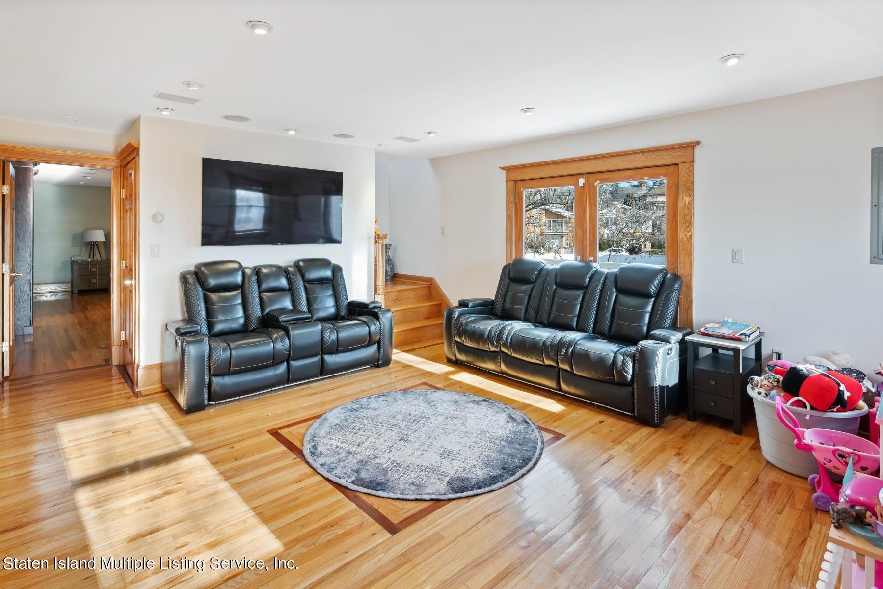 Single Family - Detached 8 Bionia Avenue  Staten Island, NY 10305, MLS-1142818-11