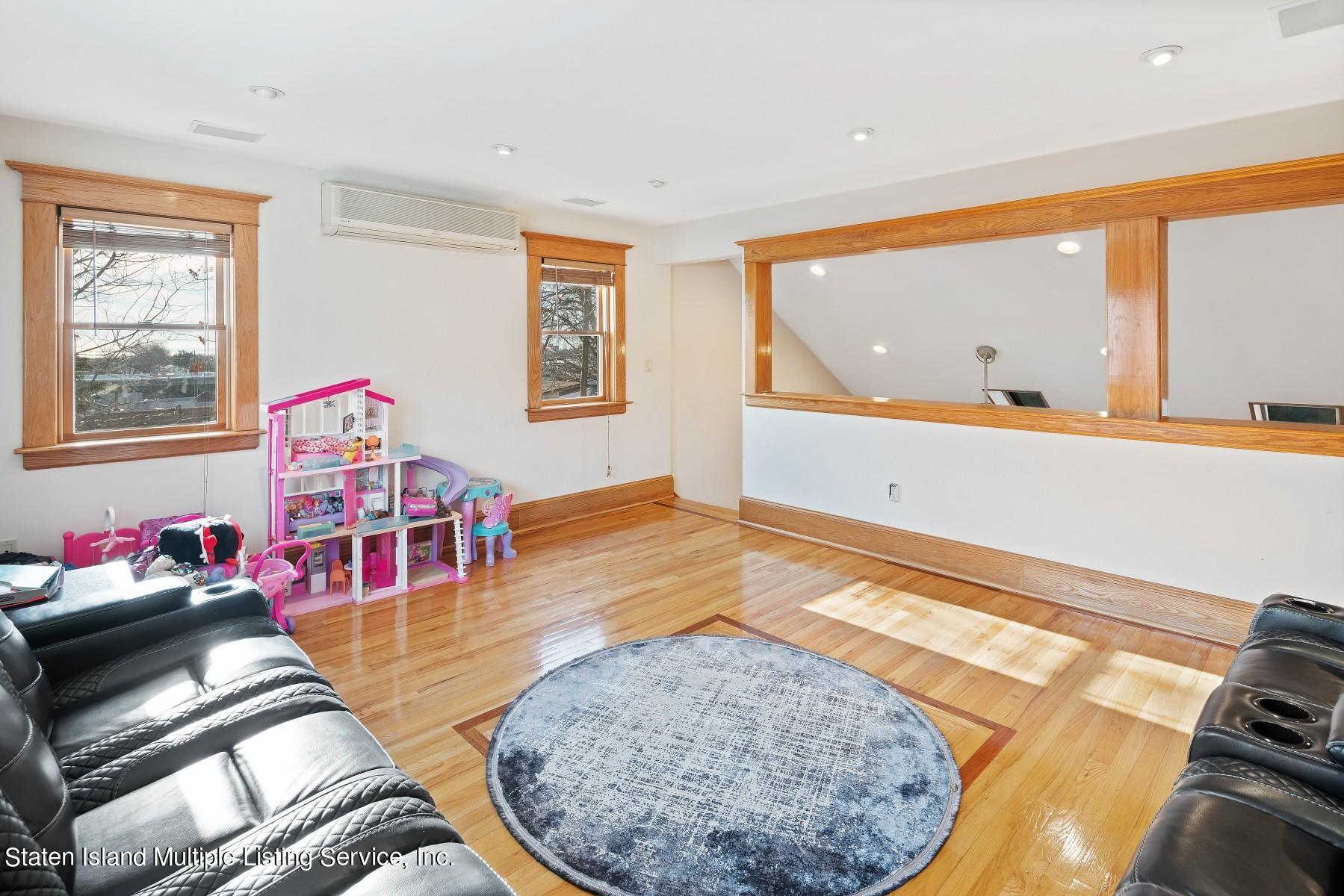 Single Family - Detached 8 Bionia Avenue  Staten Island, NY 10305, MLS-1142818-12