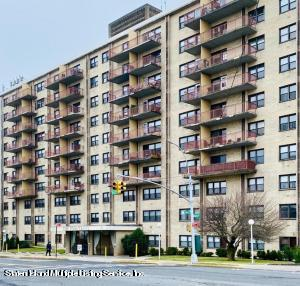 1000 Clove Road, 5j, Staten Island, NY 10301