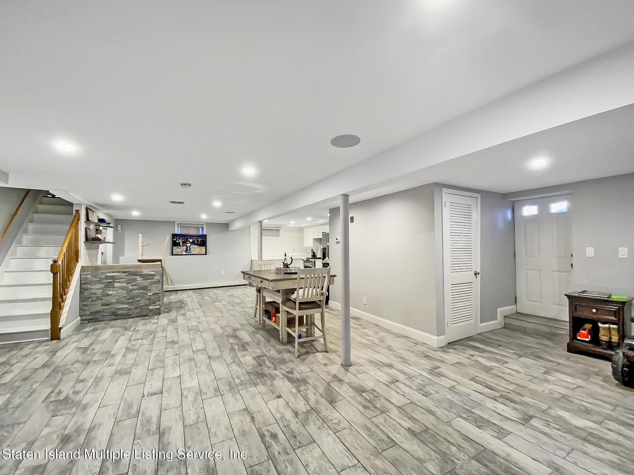 Single Family - Detached 543 Wainwright Avenue  Staten Island, NY 10312, MLS-1143141-9