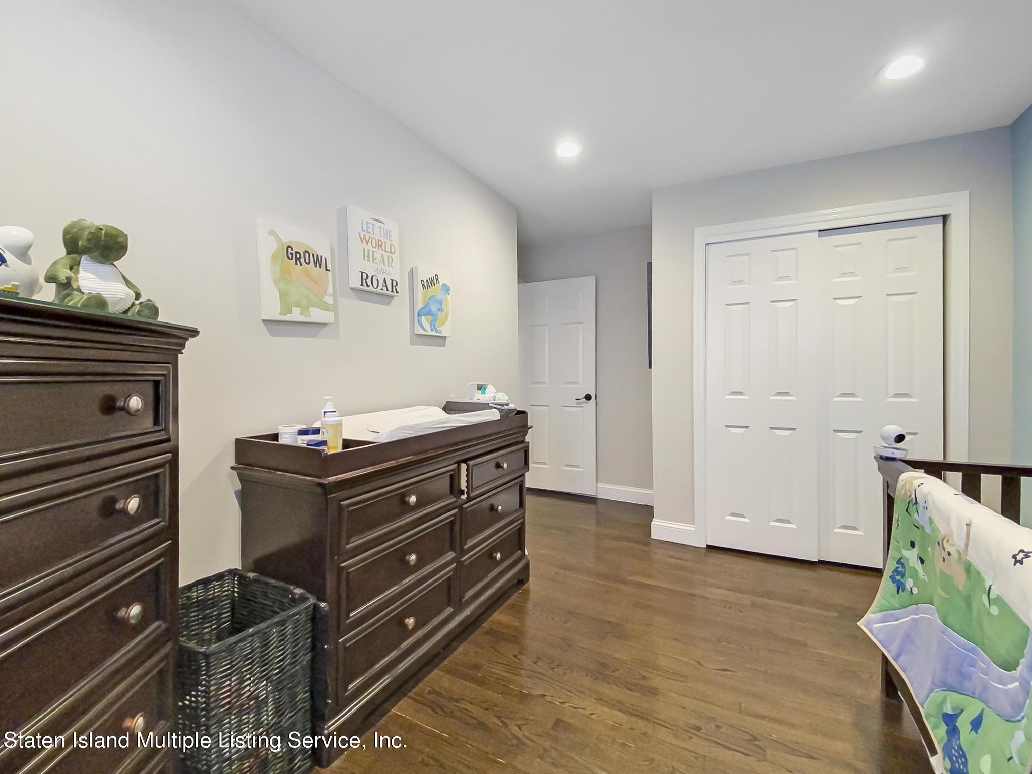 Single Family - Detached 543 Wainwright Avenue  Staten Island, NY 10312, MLS-1143141-10