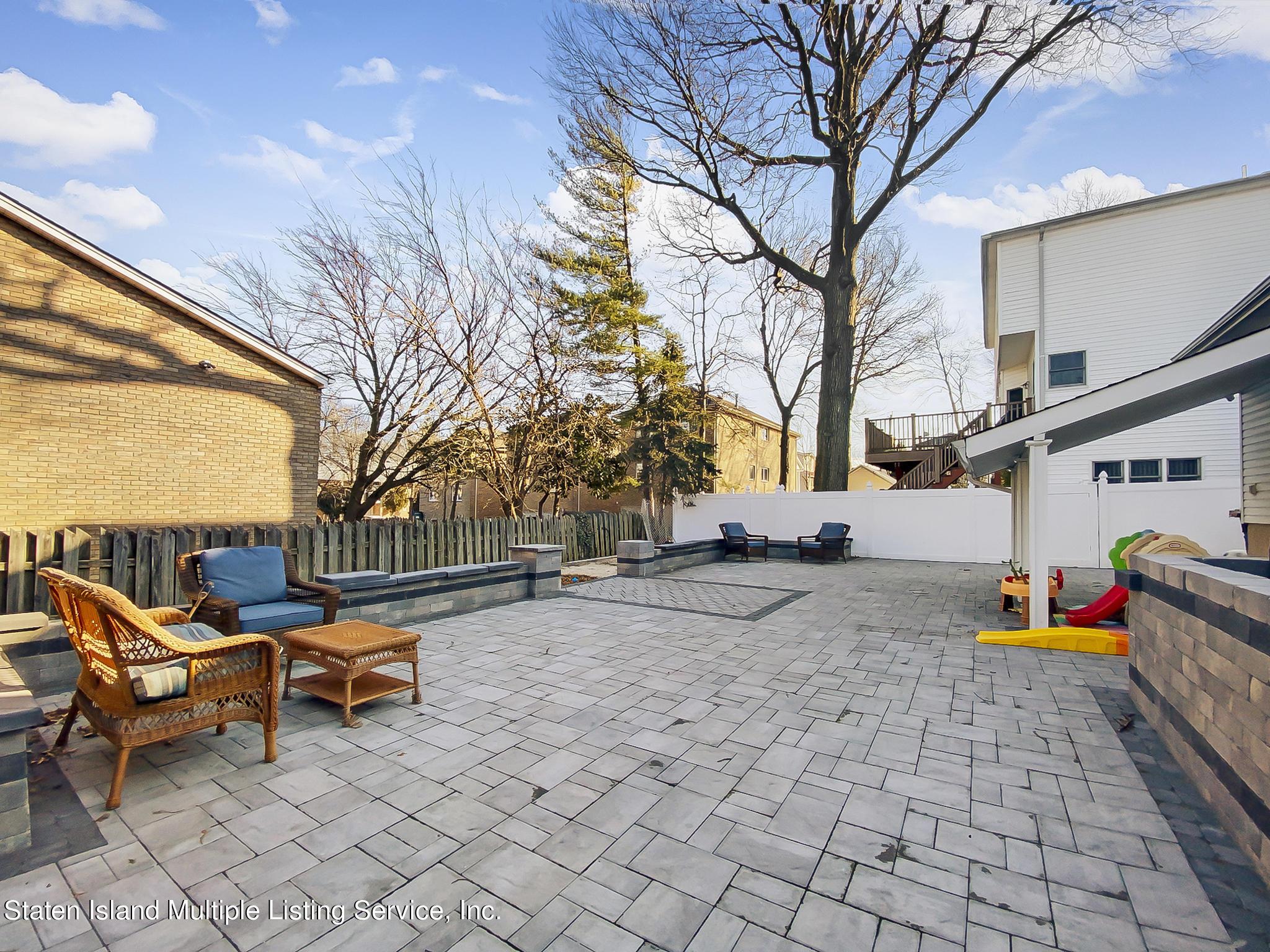 Single Family - Detached 543 Wainwright Avenue  Staten Island, NY 10312, MLS-1143141-25