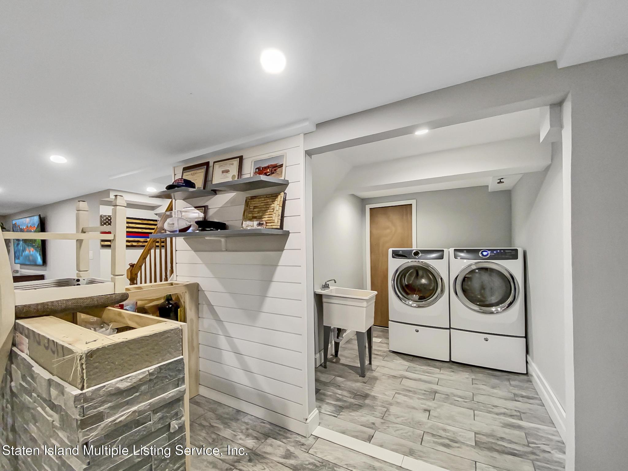 Single Family - Detached 543 Wainwright Avenue  Staten Island, NY 10312, MLS-1143141-17