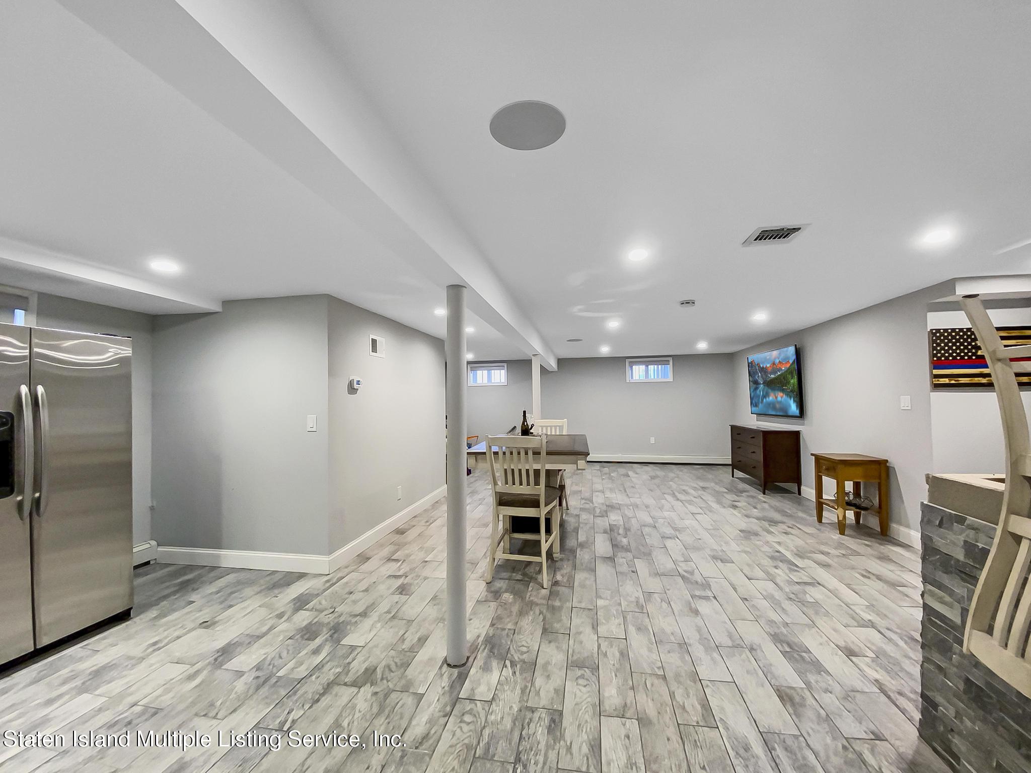 Single Family - Detached 543 Wainwright Avenue  Staten Island, NY 10312, MLS-1143141-20