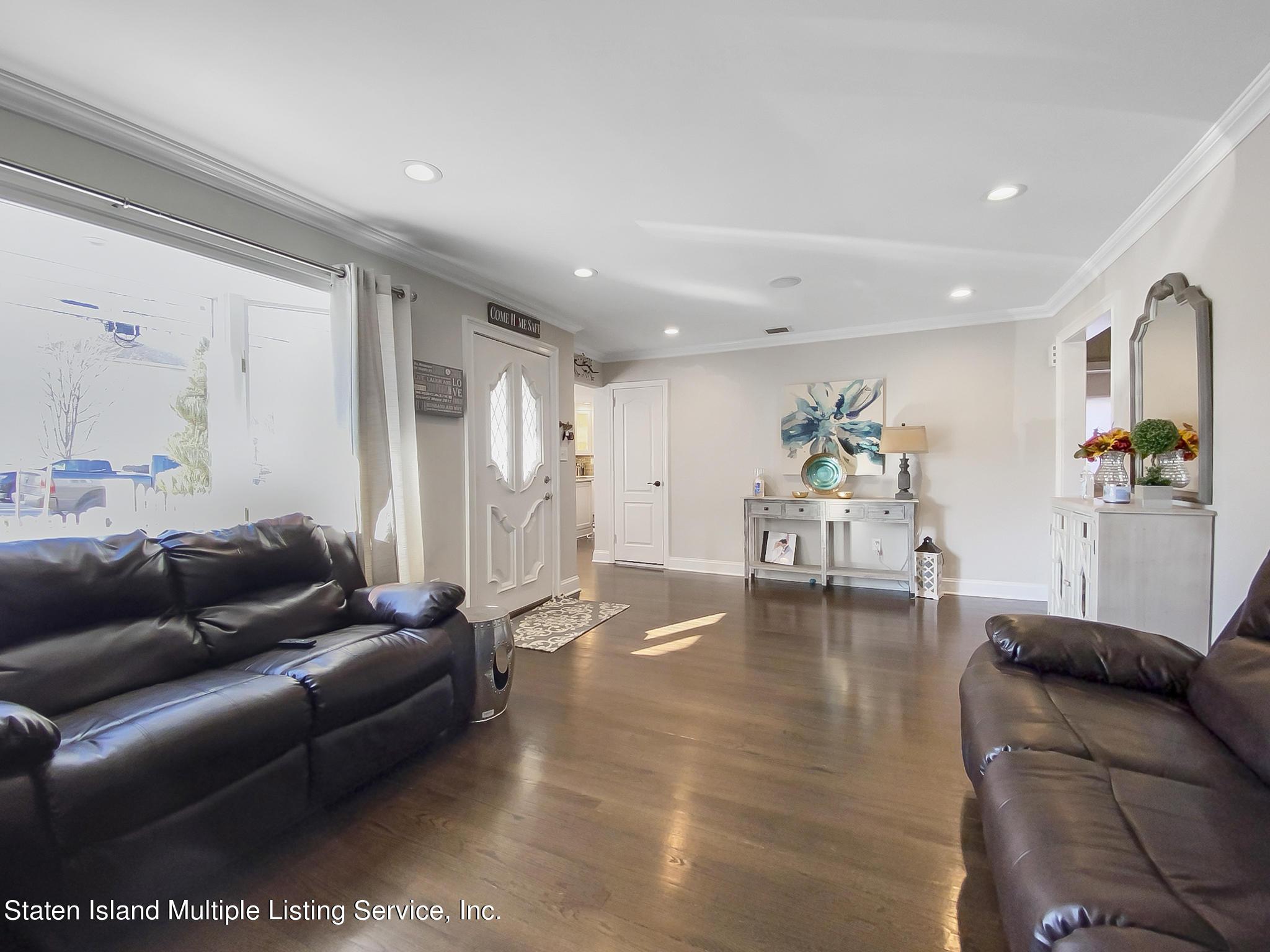 Single Family - Detached 543 Wainwright Avenue  Staten Island, NY 10312, MLS-1143141-24
