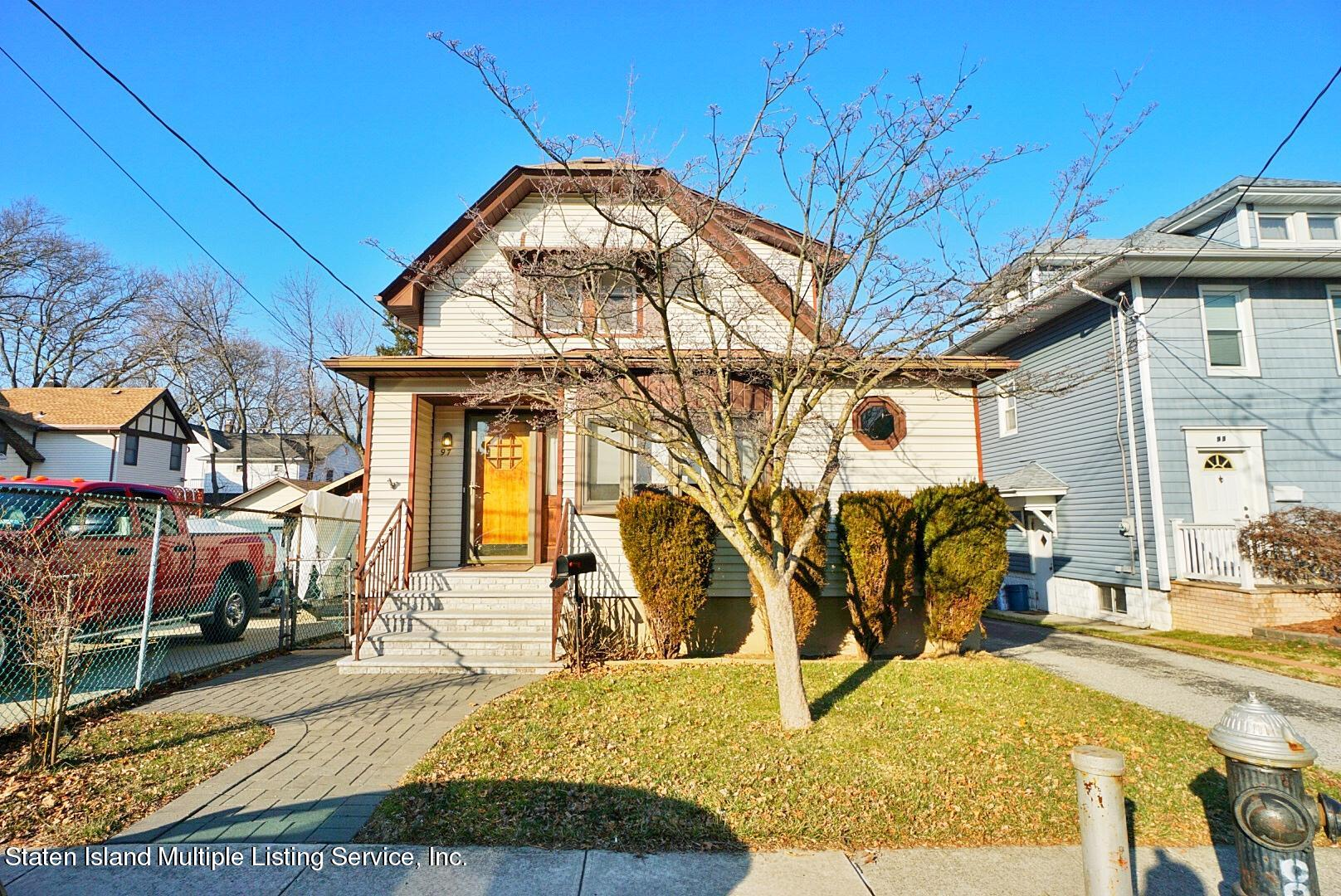 Single Family - Detached in Royal Oak - 97 Knox Place  Staten Island, NY 10314
