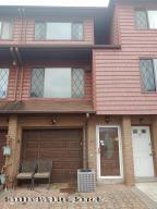 27 Maryland Lane, Staten Island, NY 10305