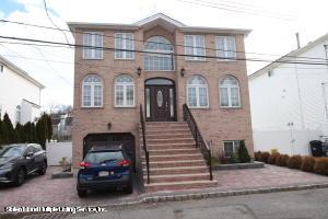 76 Bayview Lane, Staten Island, NY 10309