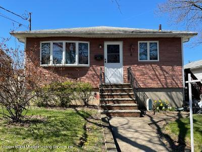 Single Family - Detached in Westerleigh - 170 Woolley Avenue   Staten Island, NY 10314