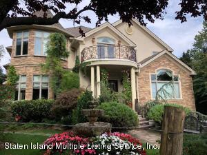 130 College Place, Staten Island, NY 10304