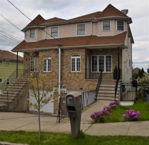 47 Foxhill Terrace, Staten Island, NY 10305