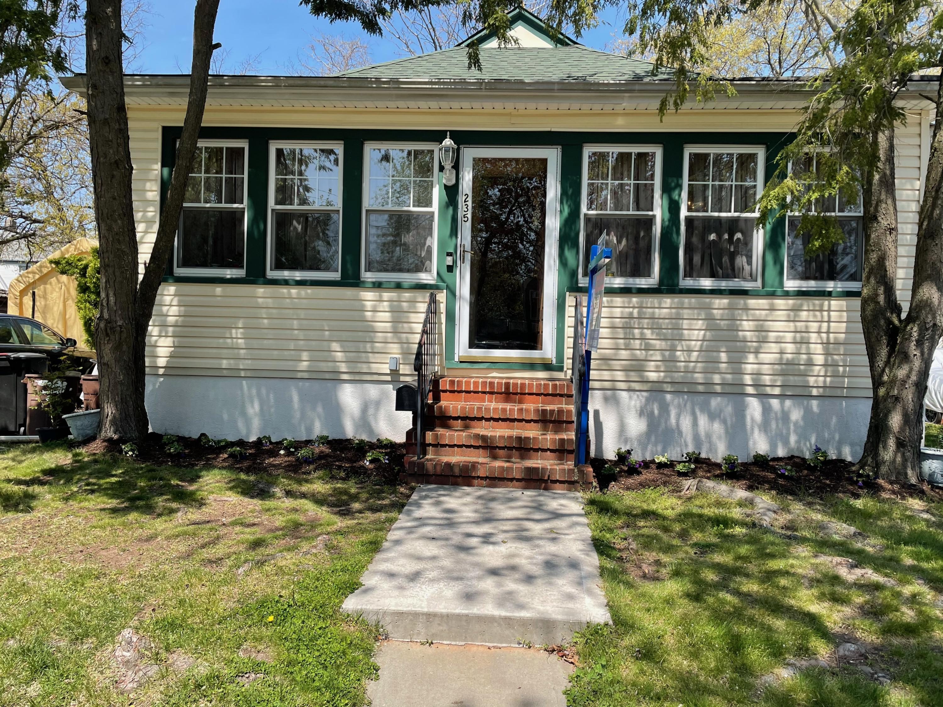 Single Family - Detached in Tottenville - 235 Craig Avenue  Staten Island, NY 10307