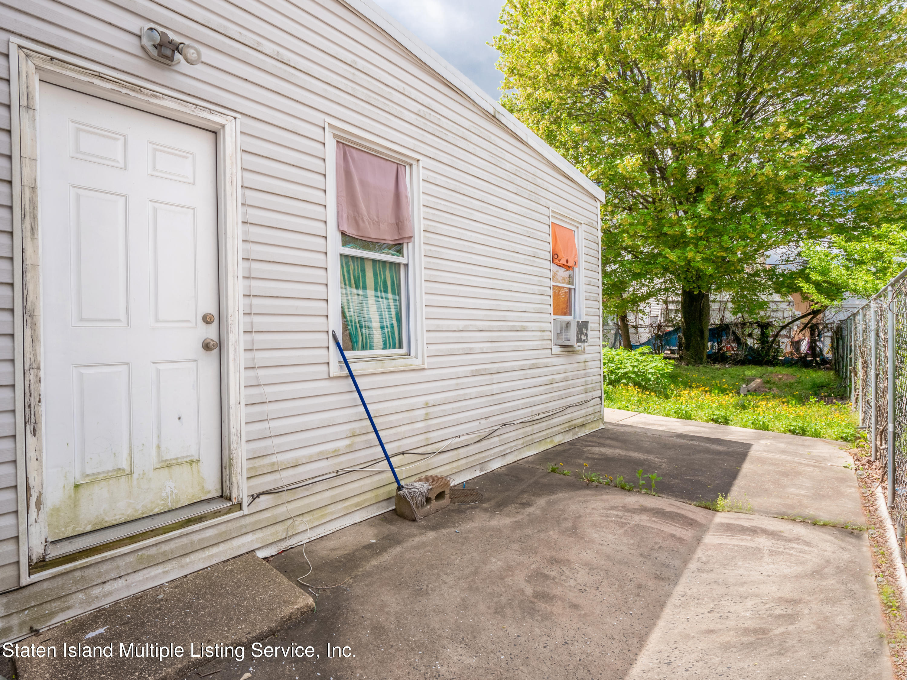 Two Family - Detached 156 Burgher Avenue  Staten Island, NY 10310, MLS-1145893-16