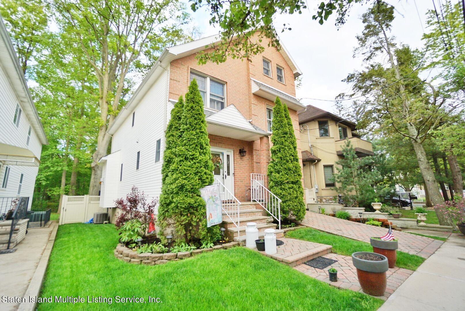 Single Family - Detached 311 Sharrott Avenue  Staten Island, NY 10309, MLS-1146042-4