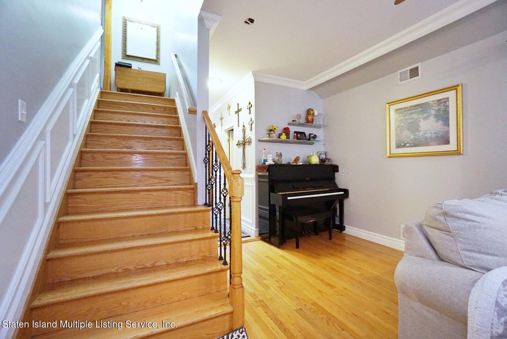 Single Family - Detached 311 Sharrott Avenue  Staten Island, NY 10309, MLS-1146042-10