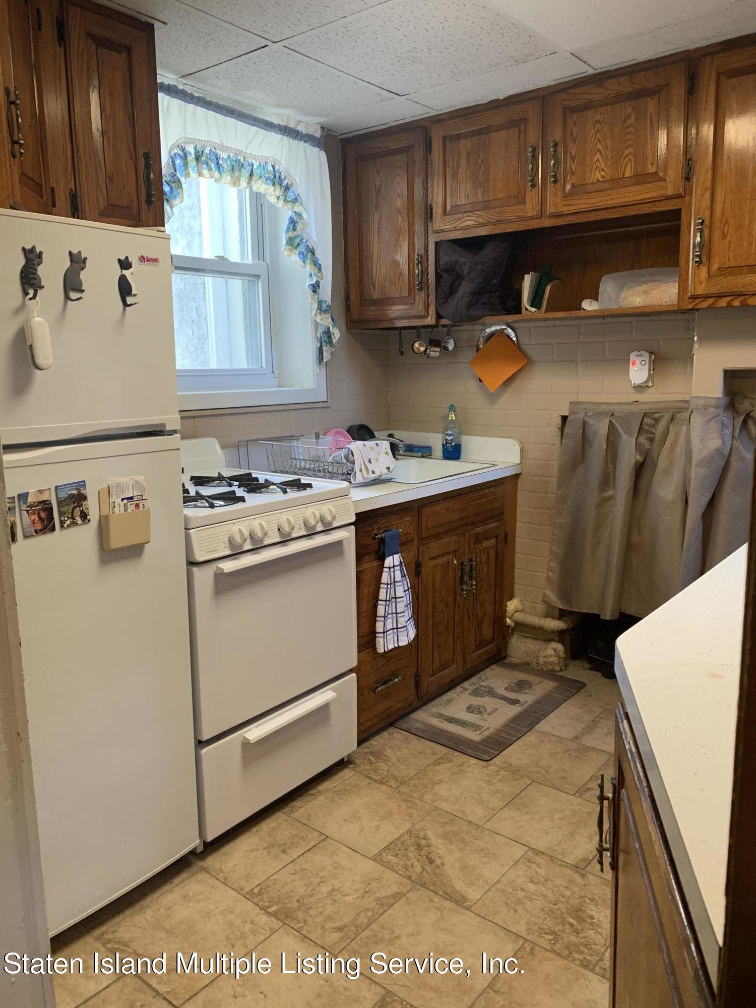 Single Family - Detached 24 Oneida Avenue  Staten Island, NY 10301, MLS-1146066-2