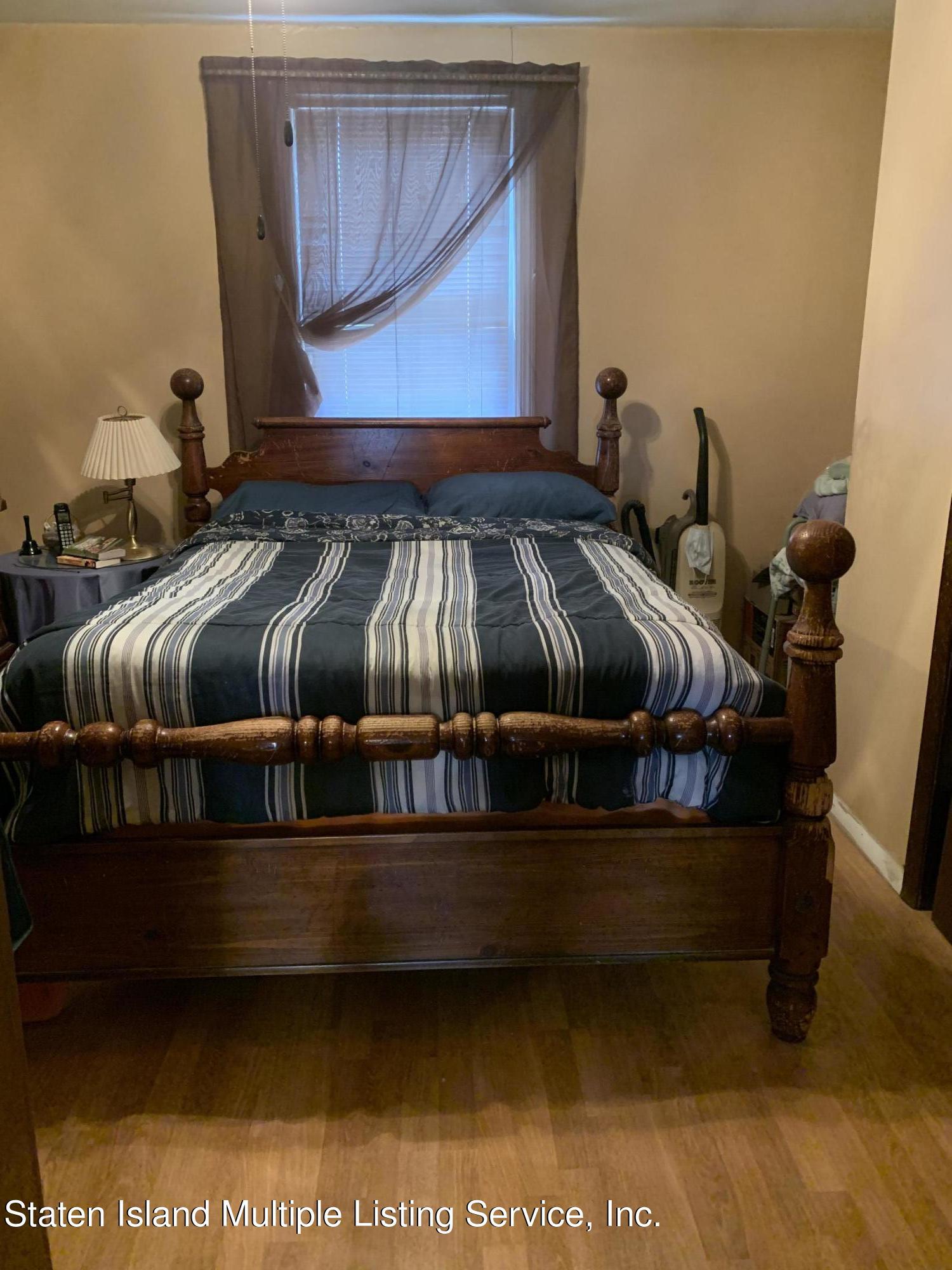 Single Family - Detached 24 Oneida Avenue  Staten Island, NY 10301, MLS-1146066-4