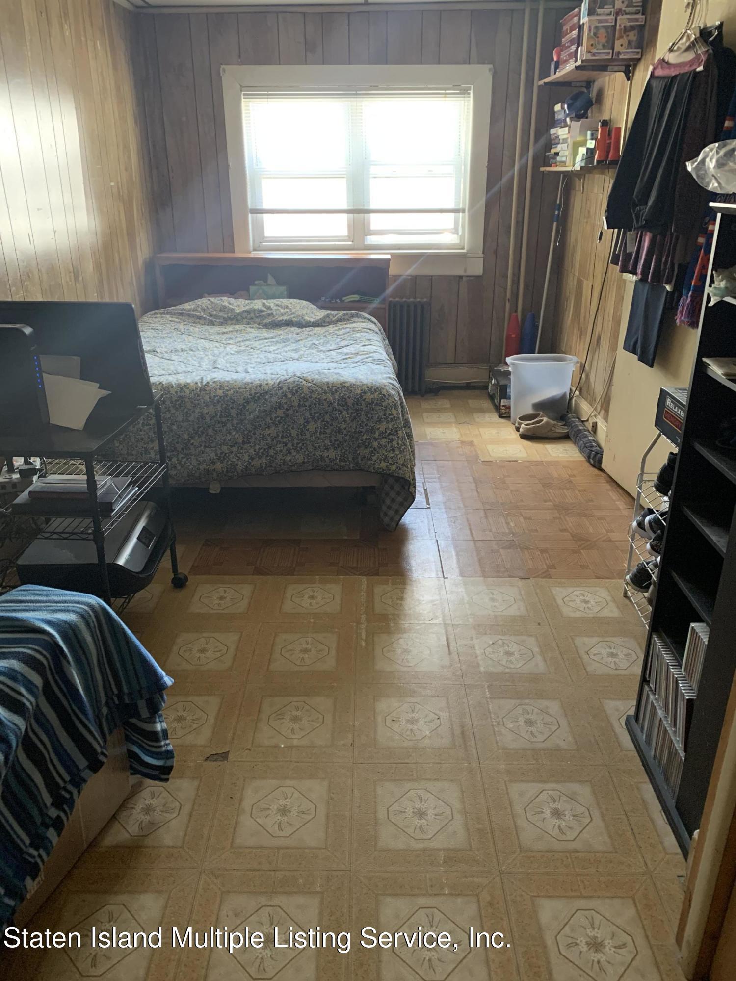 Single Family - Detached 24 Oneida Avenue  Staten Island, NY 10301, MLS-1146066-5