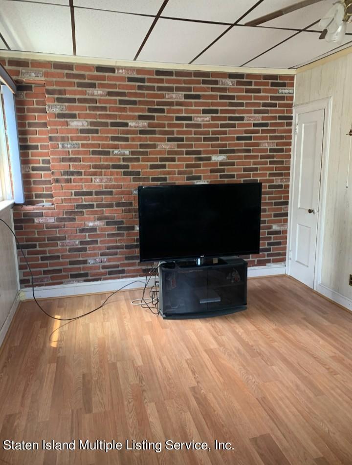 Single Family - Detached 24 Oneida Avenue  Staten Island, NY 10301, MLS-1146066-10