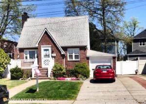 27 Ebony Street, Staten Island, NY 10306