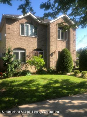 Single Family - Detached in Oakwood - New Dorp Heights - 16 St. Stephens Place  Staten Island, NY 10306
