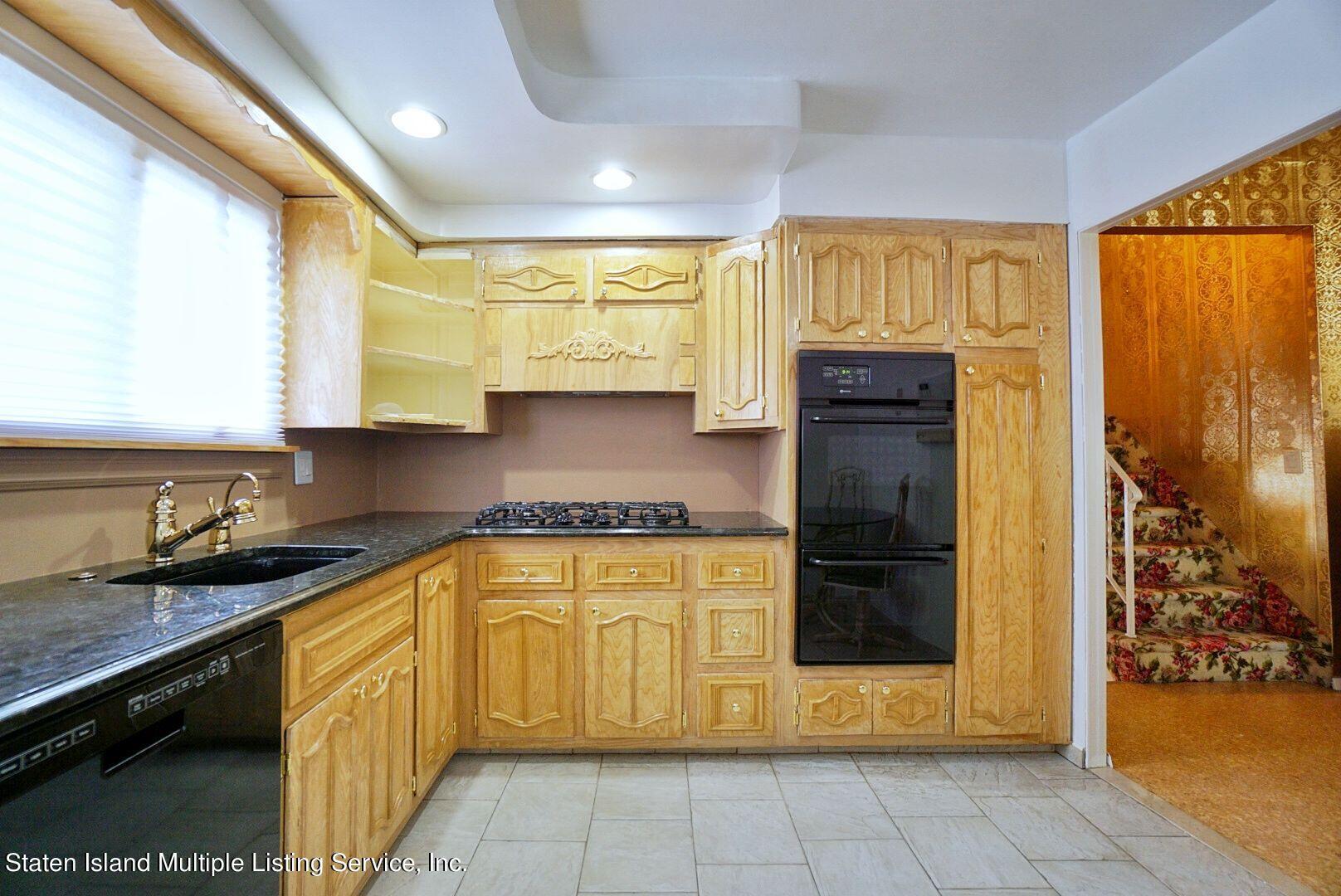 Single Family - Detached 94 Cranford Avenue  Staten Island, NY 10306, MLS-1146620-15
