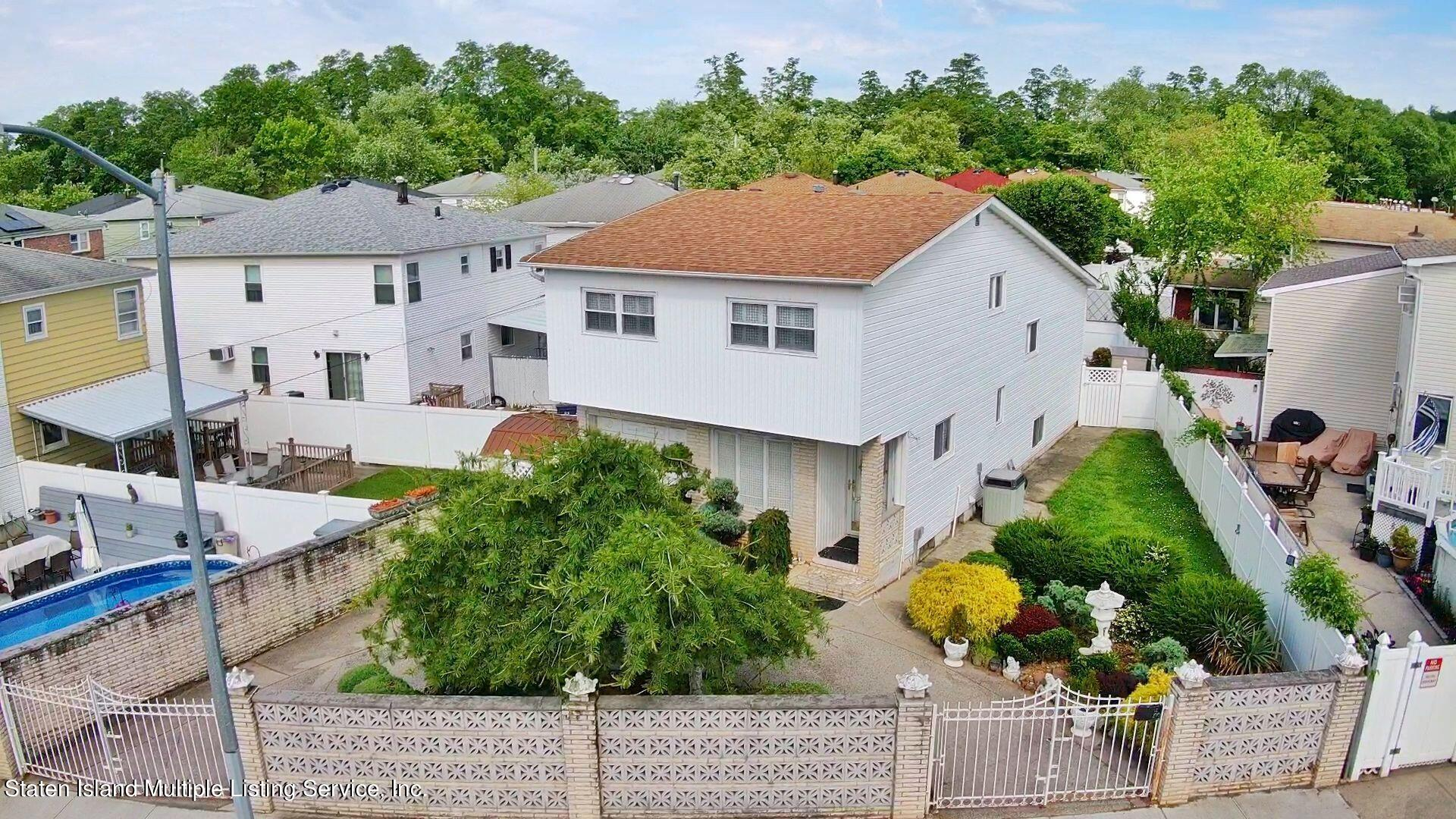 Single Family - Detached 94 Cranford Avenue  Staten Island, NY 10306, MLS-1146620-46