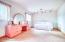 Large 2nd flr bedroom
