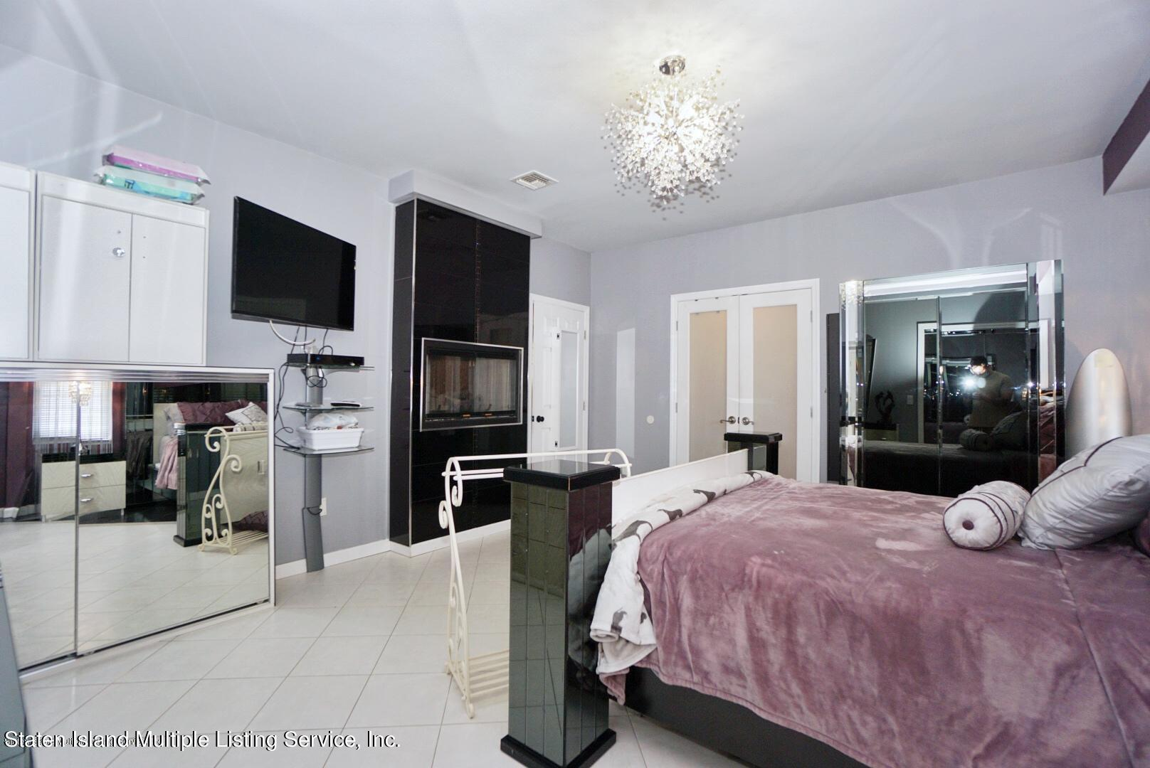 Two Family - Detached 386 Page Avenue  Staten Island, NY 10307, MLS-1146838-19