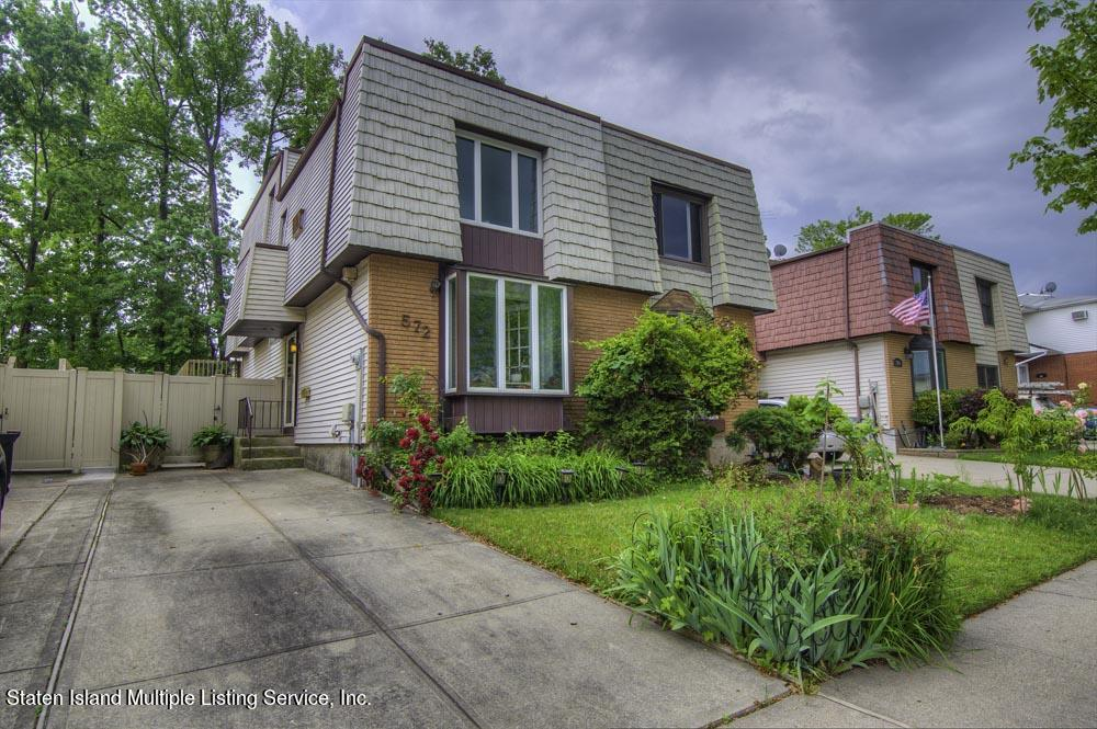 Single Family - Semi-Attached in Eltingville - 572 Lamoka Avenue  Staten Island, NY 10312