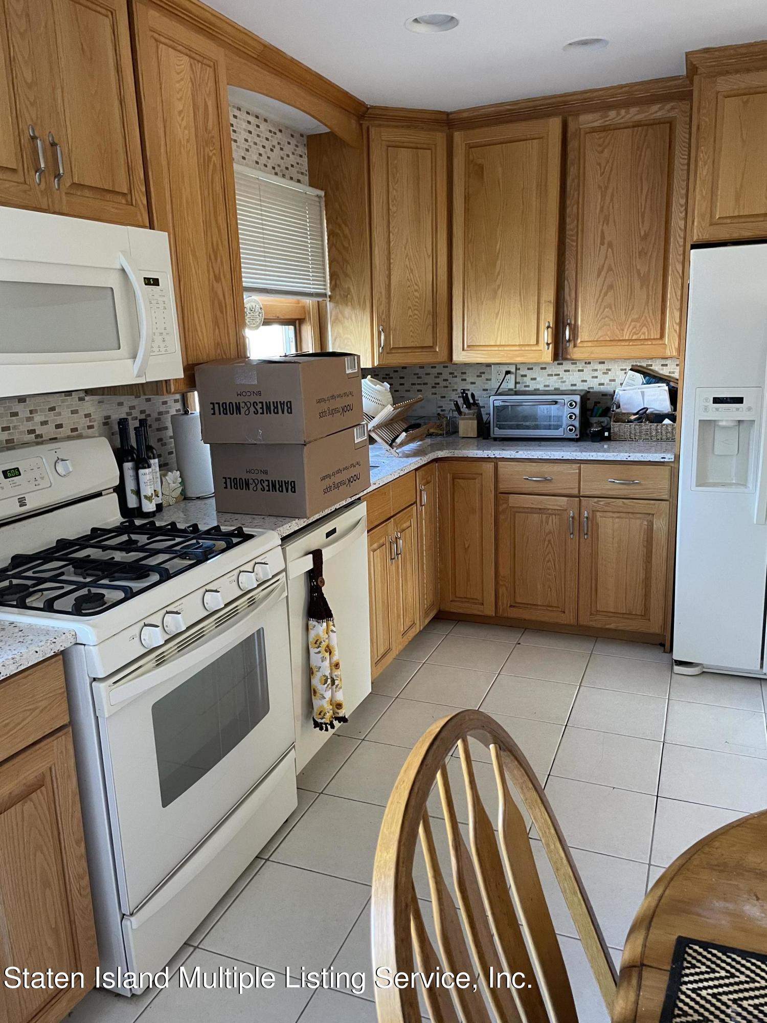 Single Family - Semi-Attached 453 Eltingville Boulevard  Staten Island, NY 10312, MLS-1147072-3
