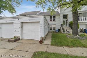 255 Hampton Green Green, Staten Island, NY 10312
