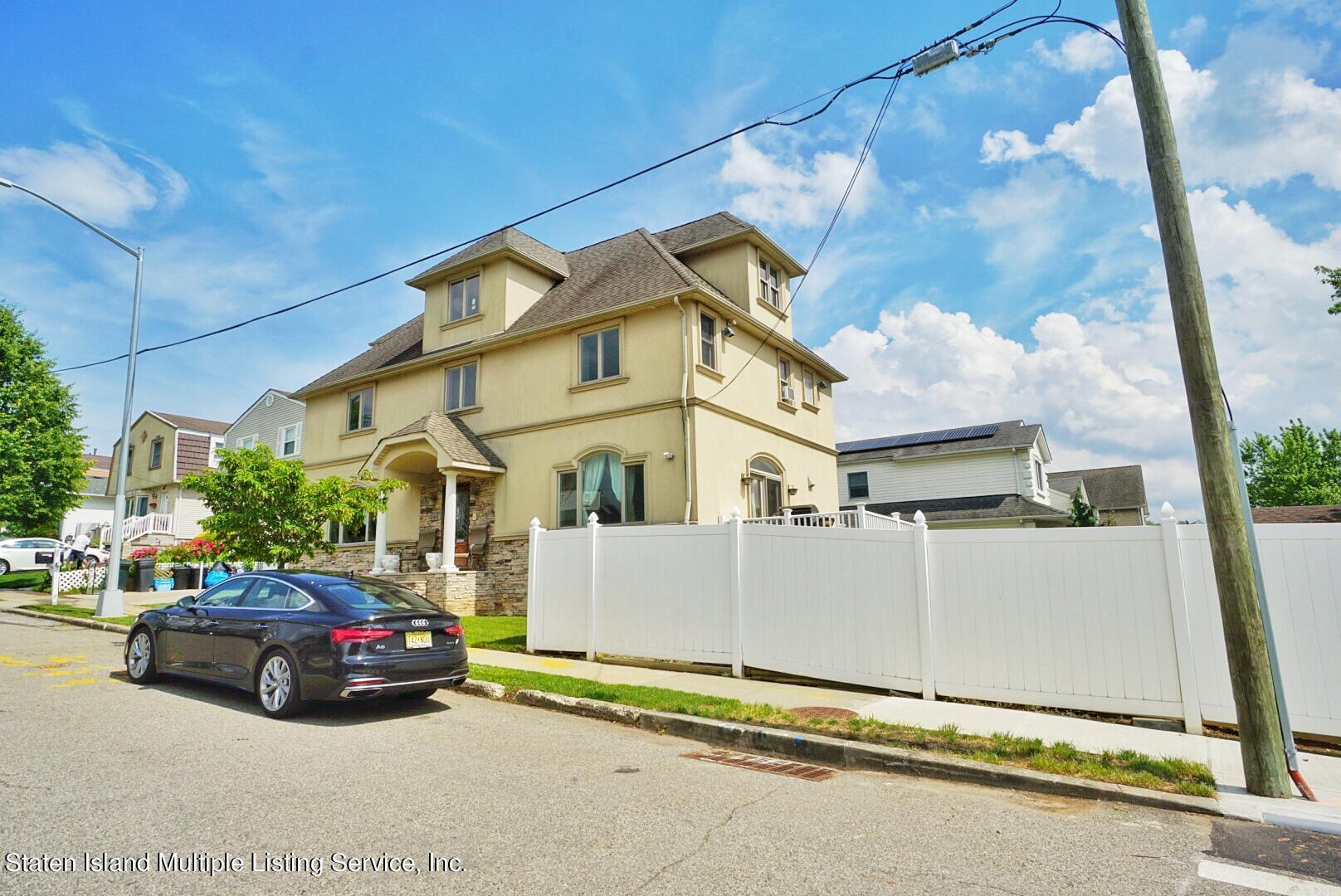 Single Family - Detached 206 Ramapo Avenue  Staten Island, NY 10309, MLS-1147193-3